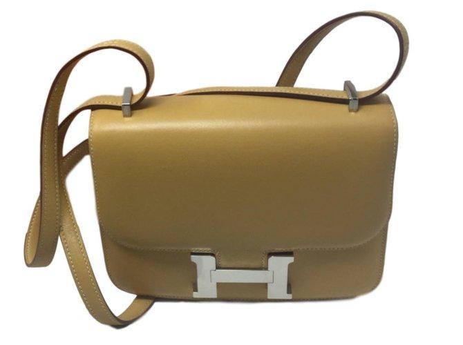 Sacs à main Hermès Constance 18 Silver Cuir Caramel ref.86616