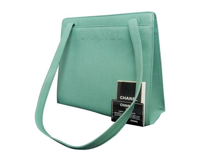 c286f09098 Sacs à main Chanel Sac à bandoulière vert Cuir Vert ref.86854 - Joli ...