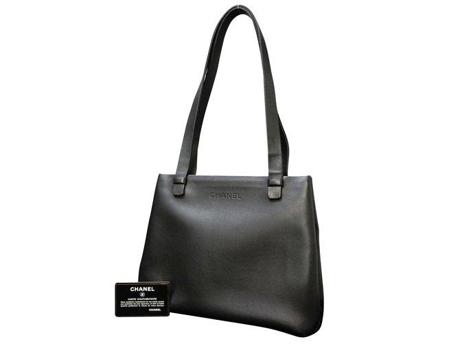 Sacs à main Chanel Sac bandoulière Cuir Noir ref.86869 - Joli Closet ccffb81dac5