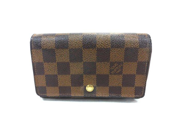 Louis Vuitton Portefeuille tresor damier level Purses, wallets, cases  Leather Brown ref.87437 fa31982705c