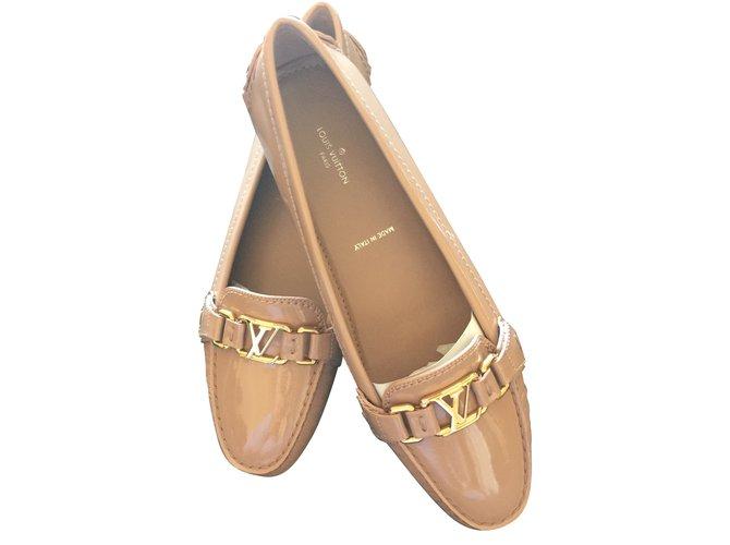 Louis Vuitton Oxford Flat Loafer Flats