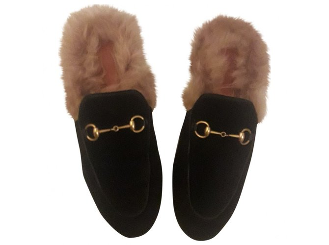 abfc83a1620 Gucci Princetown Mules Velvet Black ref.87585 - Joli Closet