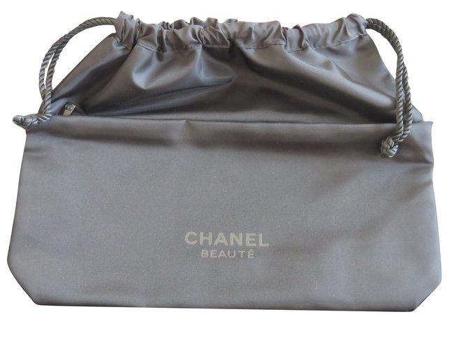 8fa05726ce81d1 Chanel VANITY CASE VIP gifts Other Black ref.88043 - Joli Closet