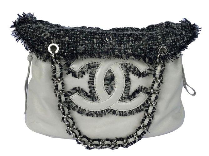 79f217fbf880 Chanel Tote with tweed Handbags Leather White,Grey ref.88105 - Joli ...