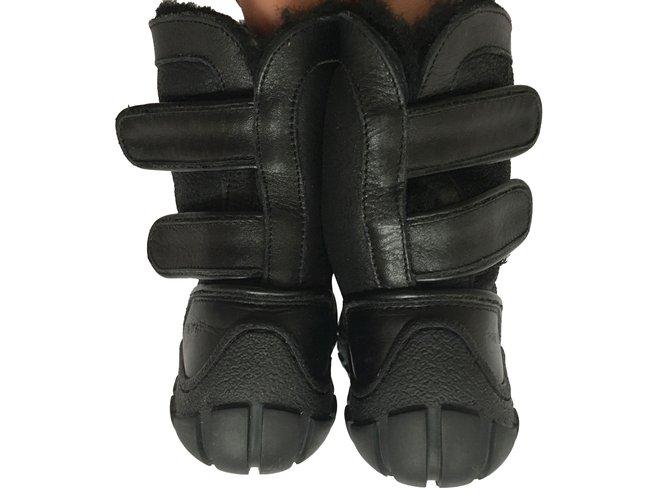 Bottes, bottines Pom d'Api Très chaud bottes Pom d'api Cuir Noir ref.88151