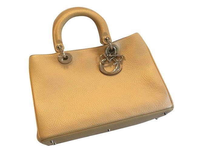 e8b4bcf46c Dior Diorissimo Handbags Leather Yellow ref.88458 - Joli Closet