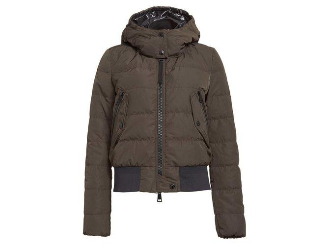 Manteaux Moncler Manteaux, Vêtements d'extérieur Synthétique Kaki ref.88831
