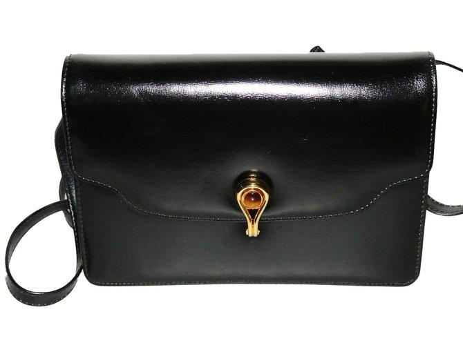6229c0a6260 Gucci Handbags Small Black - Style Guru  Fashion