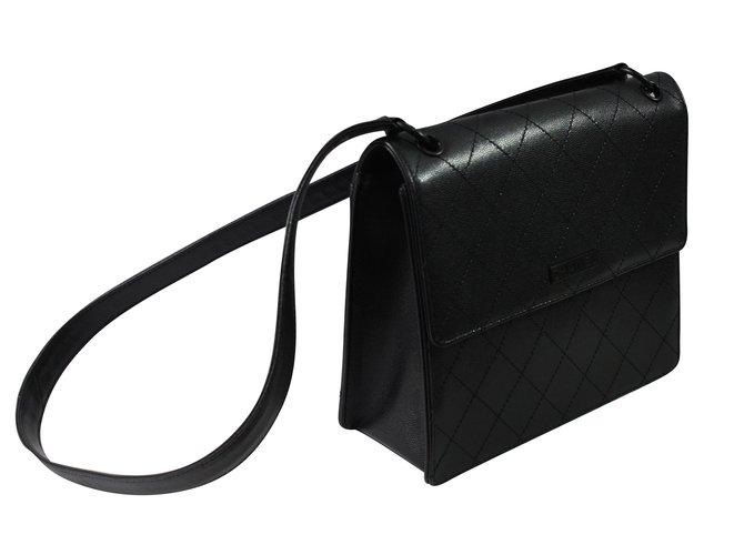 Sacs à main Chanel All Black Cuir Noir ref.89444