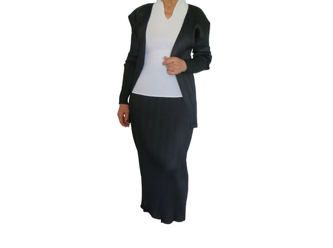 e1938c58f2 Pleats Please Issey Miyake T Long Skirt + Jacket Pleats Please Skirts  Polyester Black ref.
