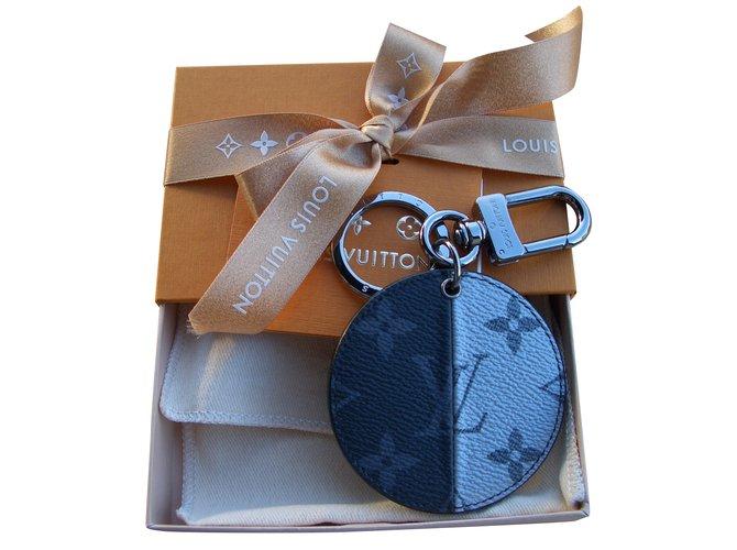 Bijoux de sac Louis Vuitton monogramme suprême Cuir Multicolore ref.92283