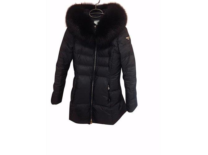 Manteaux Prada Doudoune Tissu Noir ref.92523 - Joli Closet 1d8ec4aa0e6