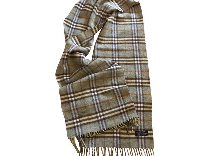 8b577e1ce850 Foulards Burberry Superbe écharpe laine et cachemire Cachemire,Laine  Gris,Vert clair ref.