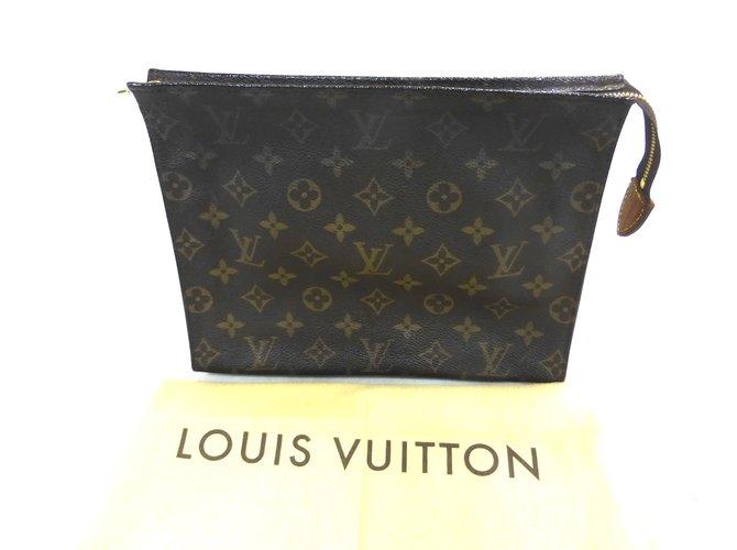 Pochettes Louis Vuitton TROUSSE DE TOILETTE 26 MONOGRAM Cuir Marron  ref.93058 8e5a14ea7d3