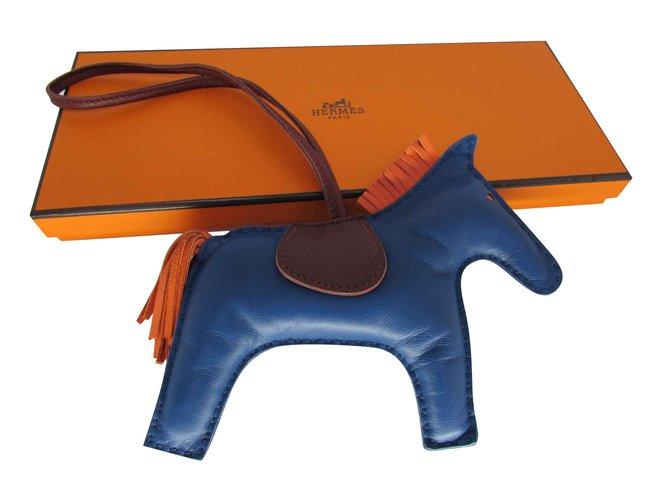Petite maroquinerie Hermès GRIGRI RODEO CHARM Cuir Rouge,Bleu,Orange ref.93392