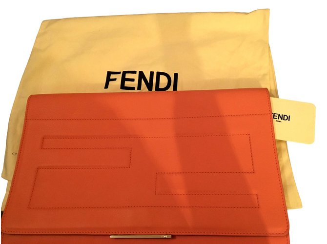 6f9c82aadeb9 Fendi Clutch bags Clutch bags Leather Pink ref.93471 - Joli Closet