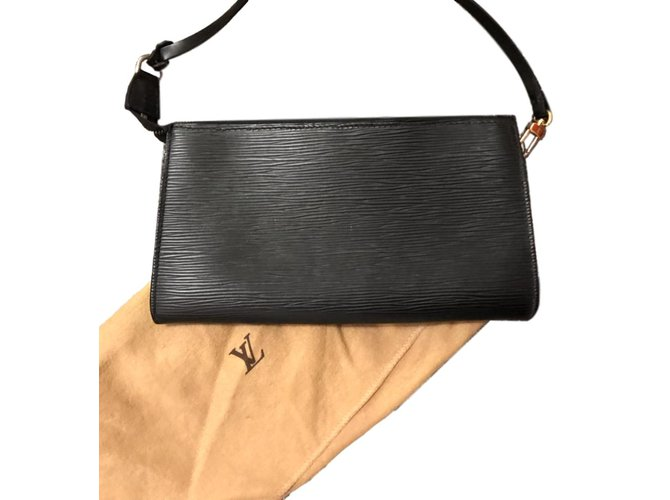 78b4ee0062b8 Louis Vuitton Handbag Handbags Leather Black ref.93648 - Joli Closet