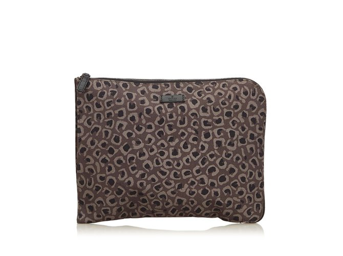 Pochettes Gucci Pochette en nylon à imprimé léopard Nylon,Tissu Marron,Noir ref.98272