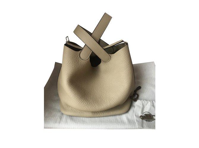 Sacs à main Hermès Sac Hermès Picotin Lock 22 couleur Trench Cuir Beige ref.100021