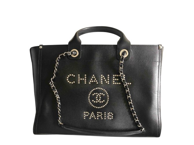 6fb5769aa086 Chanel Deauville Totes Leather Black ref.100169 - Joli Closet