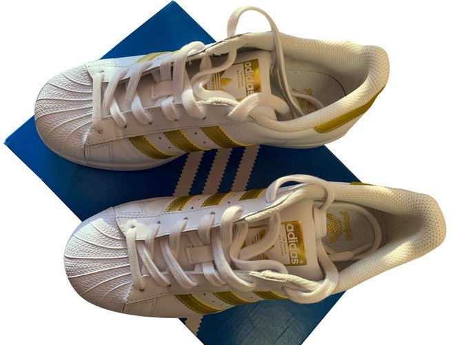 8fe78d18553c1 Adidas Adidas Superstar Basketball New Gold Color Band Sneakers Other White  ref.100583
