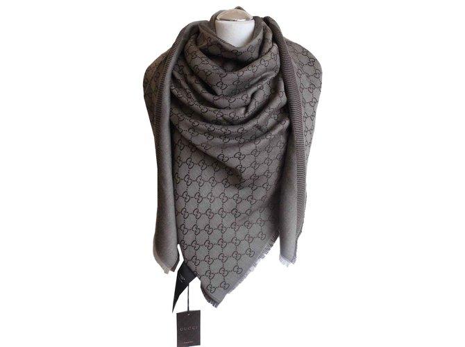 Foulards Gucci écharpe guccissima Gucci nouveau. couleur marron Soie,Laine Marron ref.100872
