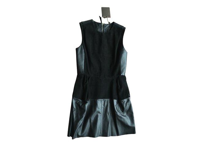 Robes Louis Vuitton Robes Cuir Noir ref.101046