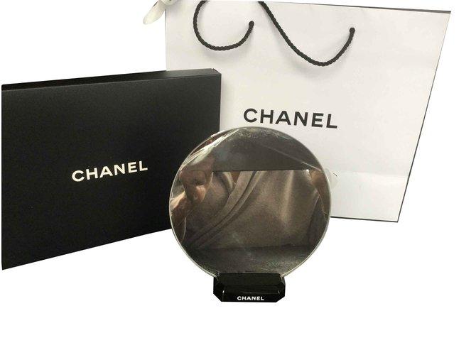 Cadeaux VIP Chanel Cadeaux VIP Métal Autre ref.101163