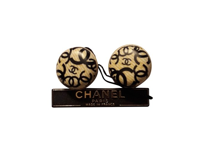 Boucles d'oreilles Chanel Chanel Collection 2002 Résine Multicolore ref.101219