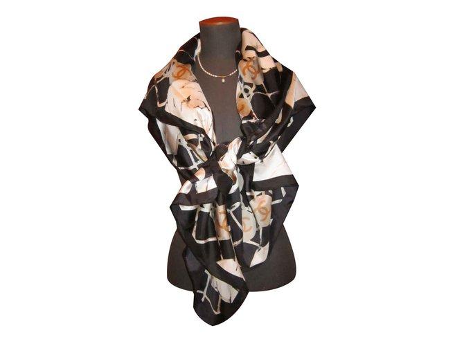 Chanel Silk shawl Scarves Silk Black ref.101534