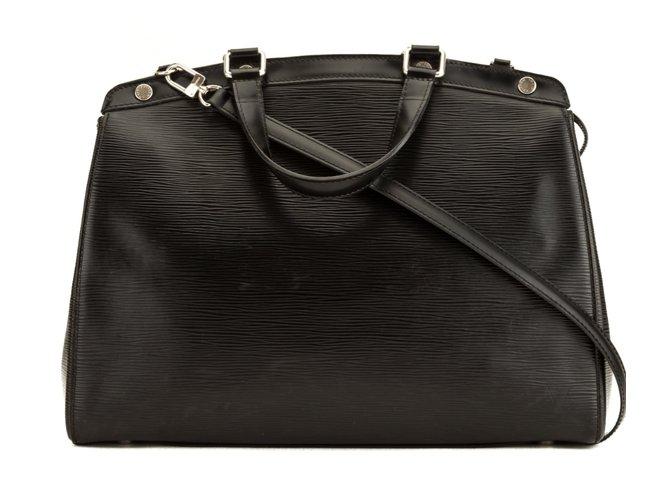 Sacs à main Louis Vuitton Noir Epi Brea PM Cuir Noir ref.101679