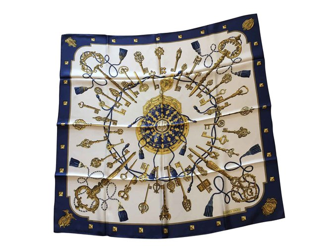 Hermès Scarves Scarves Silk Blue,Beige,Yellow ref.152471