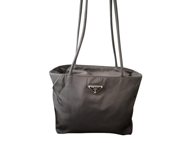 Sacs de voyage Prada Superbe sac prada vintage Polyester Noir ref.101801 63fd5db38f9
