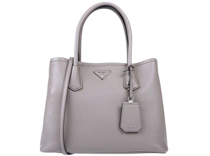 b83d71717f2e Prada Galleria Handbags Leather Grey ref.102678 - Joli Closet