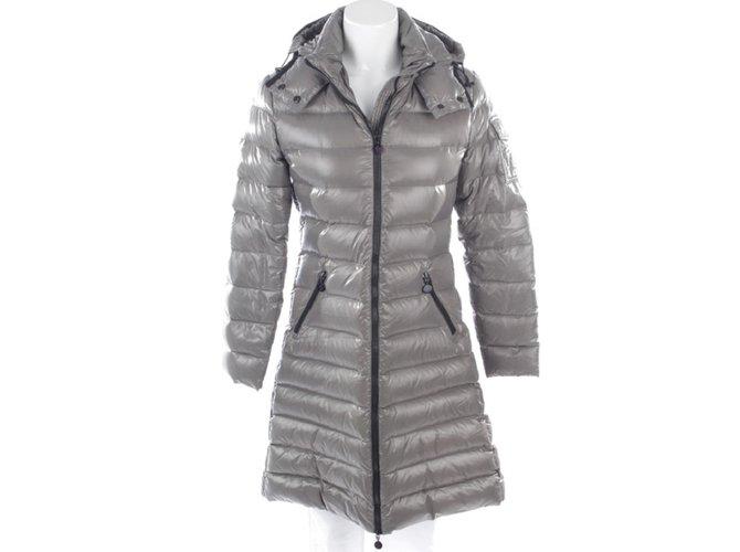 Manteaux Moncler Manteaux, Vêtements d'extérieur Polyamide Gris ref.103570