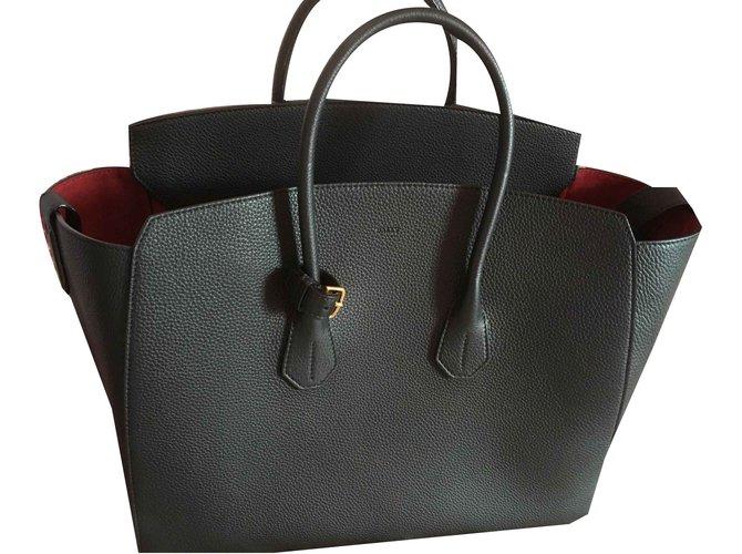485ba1bf88 Bally Big Bally Black Top Handbag Handbags Leather Black ref.103649 ...