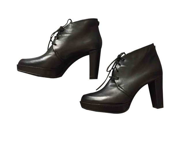 01114f4d3511 Stuart Weitzman Ankle Boots Ankle Boots Leather Black ref.103837 ...