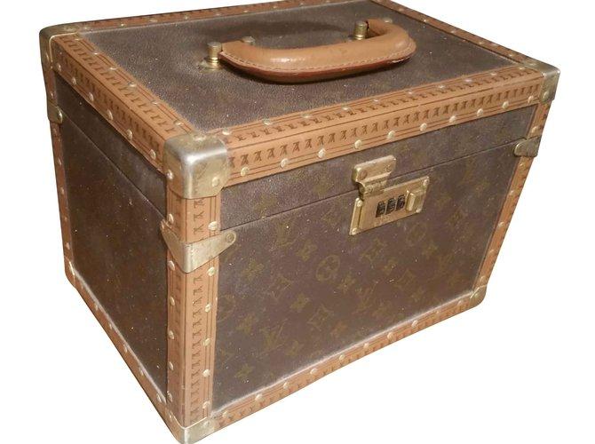 Louis Vuitton Vanity case Louis Vuitton Purses, wallets, cases Leather Other ref.104240