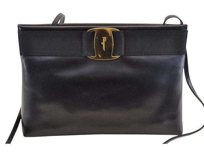 Salvatore Ferragamo Salvatore Ferragamo Handbags Leather Black ref.104337 357cef3b15676