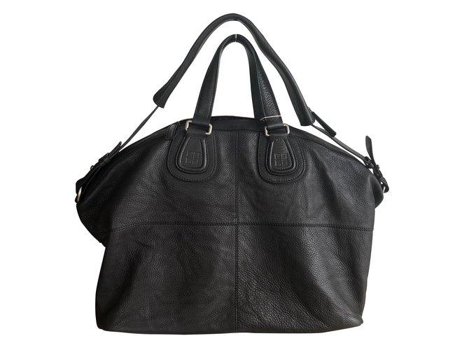 c04e6be881b Givenchy Handbags Handbags Leather Black ref.104724 - Joli Closet