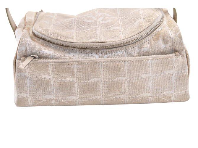 c4d2099d5371 Chanel Chanel Vanity Handbags Cloth White ref.105008 - Joli Closet