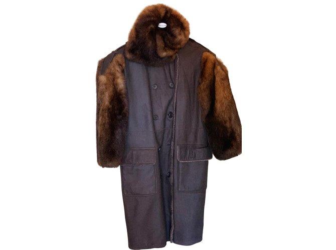 Manteaux Yves Saint Laurent Manteaux, Vêtements d'extérieur Cuir Marron ref.105295