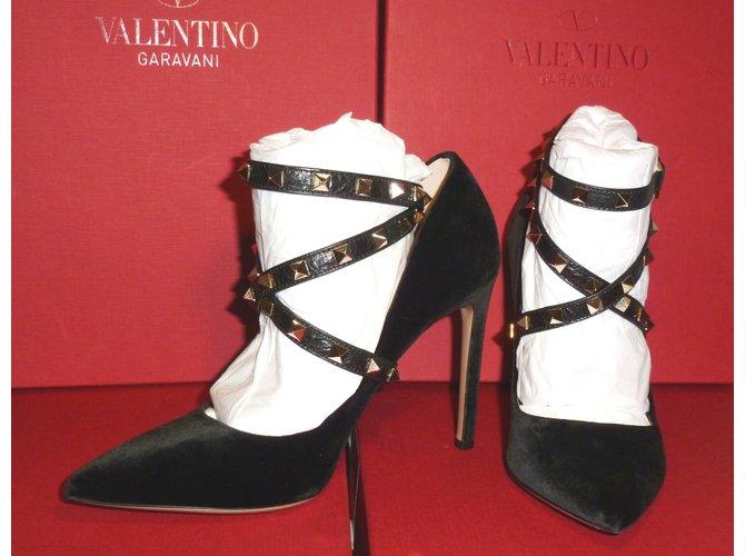 59b74c052bb Valentino Garavani Valentino Black Velvet StudWrap RockStud105 Pumps UK6.5  Eur39.5 Heels Suede