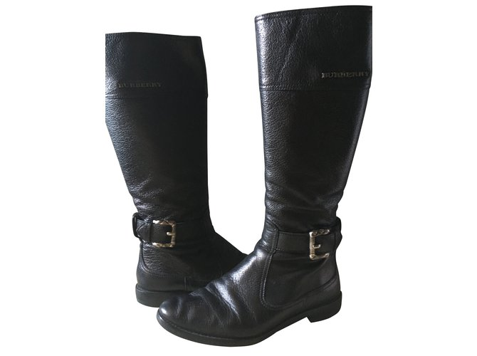 Burberry Burberry riding boots in black grained leather. Boots Leather Black ref.99726