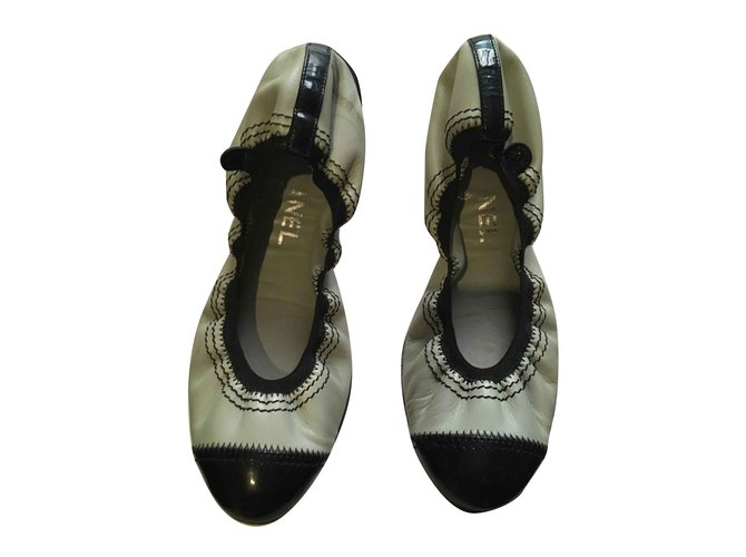Chanel Chanel black and blue leather ballerinas Ballet flats Leather,Patent leather Black,Blue ref.105583