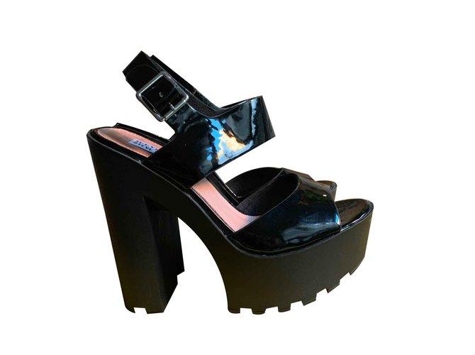 0c6a92ea213f Steve Madden Iggy Sandals Patent leather Black ref.105760 - Joli Closet