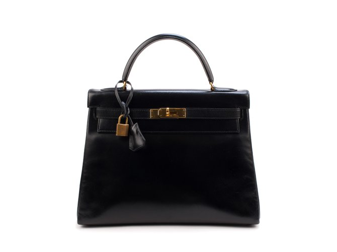 Hermès Very beautiful Hermes Kelly 3black leather box, golden hardware in very good condition! Handbags Leather Black ref.106469