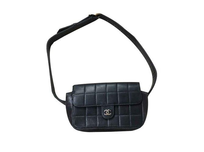 Pochettes Chanel Pochettes Cuir Noir ref.106493