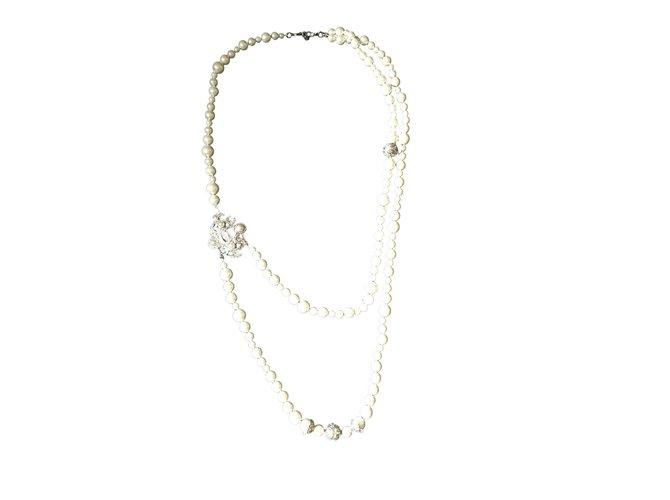 Sautoirs Chanel Colliers longs Perle Argenté,Beige ref.106653