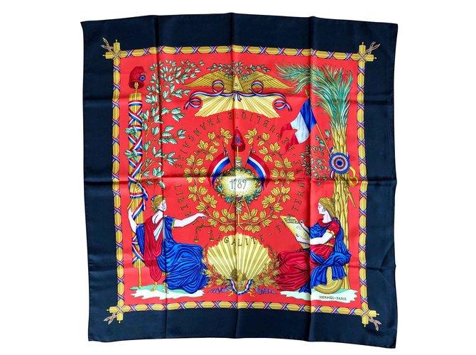 Carrés Hermès 1789 Soie Rouge,Bleu,Doré ref.106757